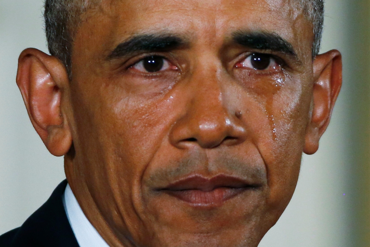 U.S. President Barack Obama sheds a tear while delivering a statement on steps the administration is taking to reduce gun violence in the East Room of the White House in Washington January 5, 2016. REUTERS/Carlos Barria - RTX215FM